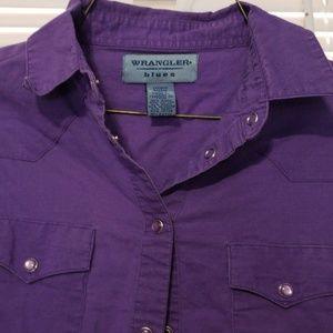 Womens Wrangler shirt